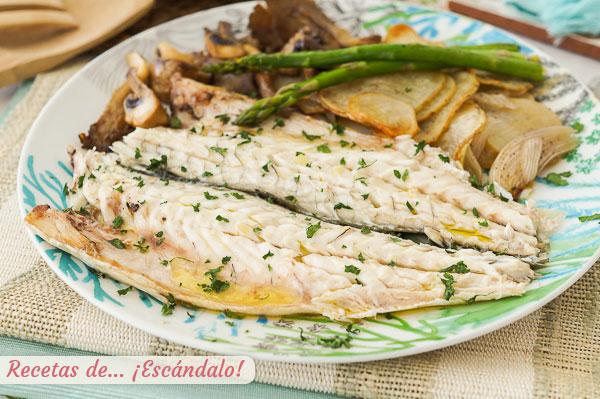 Receta de lubina al horno con patatas, verduras y setas, jugosa y facil