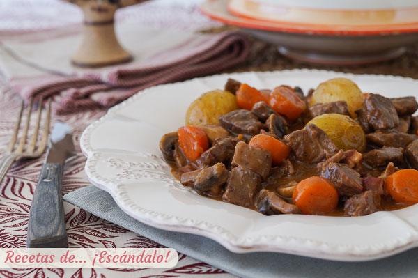 Receta de boeuf bourguignon o carne al vino tinto, un plato frances espectacular